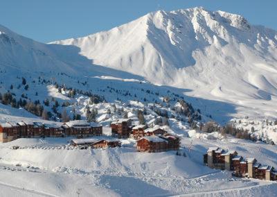 Station-belle-plagne-hotel-les-balcons-village-1
