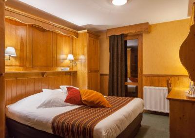 Chambre-double-hotel-les-balcons-village-belle-plagne-1