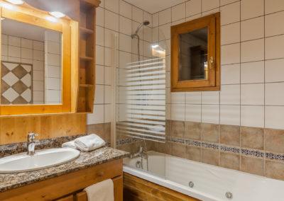 Chambre-familiale-hotel-les-balcons-village-belle-plagne-5