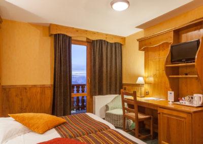 Chambre-twin-hotel-les-balcons-village-belle-plagne-1