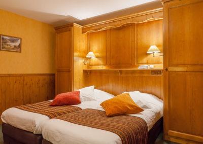 Chambre-twin-hotel-les-balcons-village-belle-plagne-3