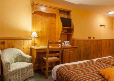 Chambre-twin-hotel-les-balcons-village-belle-plagne-4