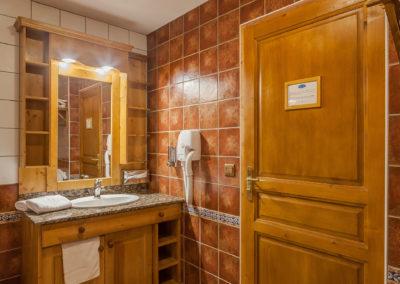 Chambre-twin-hotel-les-balcons-village-belle-plagne-6