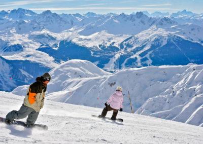 Snowboard-domaine-skiable-la-plagne-hotel-les-balcons